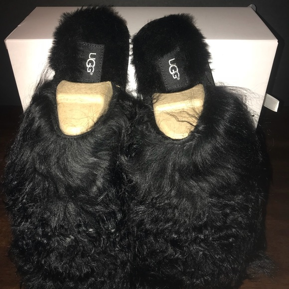 c08dd4f57f0 UGG Fluff Momma Mongolian slippers Boutique